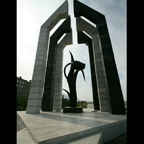 Норильск,Красноярский край.Мемориальная композиция «Черный тюльпан»